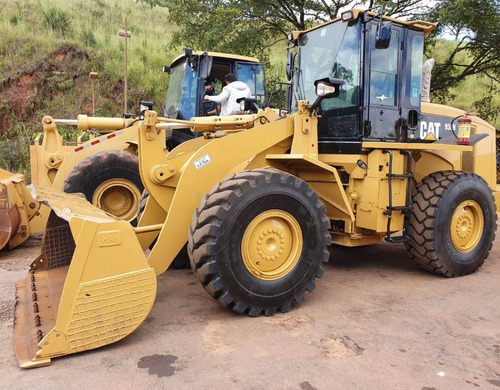 Imagem 1 de 15 de Pá Carregadeira Caterpillar 938h Ano 2011