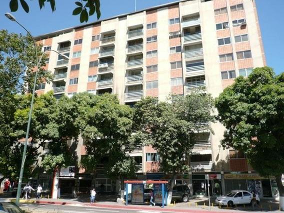 Apartamento En Venta Mls #20-12205 Gabriela Meiss. Rah Chuao