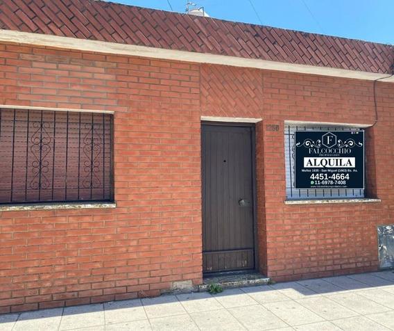 Casa Tipo Ph Alquiler 3 Ambientes C/ Cochera En Jose C Paz