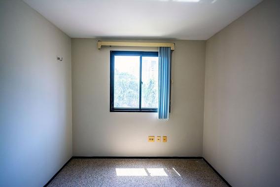Apartamento 3 Quartos Na Rua Nunes Valente, Varanda, Garagem