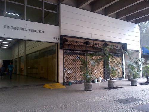 Imagem 1 de 2 de Loja - Funcionarios - Ref: 3313 - V-3313