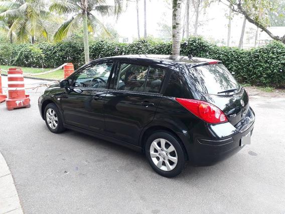 Nissan Tiida 1.8s - Preto 2009/2010