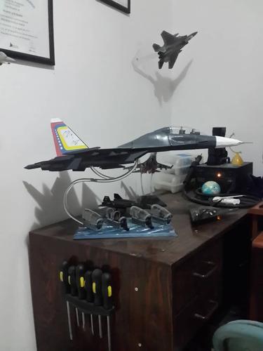Imagen 1 de 10 de Avión Sukhoi 30mk2 A Escala 1:33