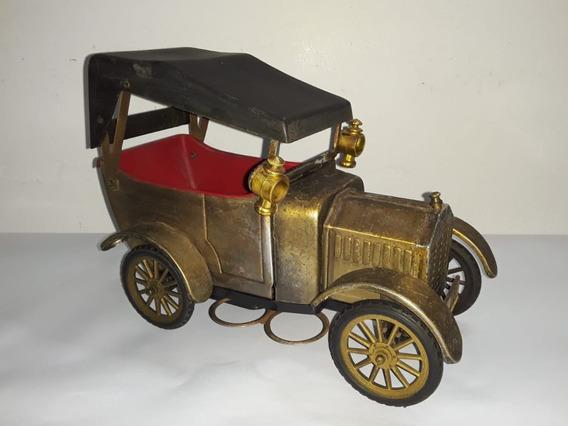 Ford T 1918. Antigua Licorera / Musical