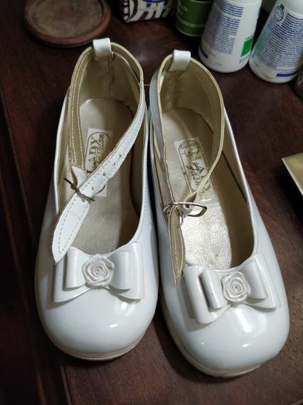 Zapato De Charol Blanco. N°25