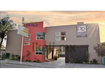 Rento Habitaciones Hotel Pr Col. Aviación Vieja Poza Rica Veracruz. La Renta Es Mensual En Contrato Por Año, Cada Habitaciones Cuenta Con Un Minisplit, Baño Completo, Closet Empotrado, Cajonera, Buro