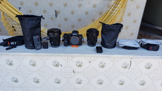 Camera Sony A7iii + 16-35mm E 24-70mm Zeiss F4 + Acessórios!