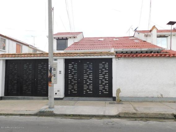 Casa En Arriendo V. Prado 20-242 C.o