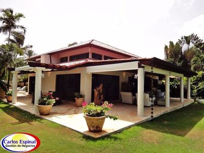 Villa En Venta En Casa De Campo, República Dominicana Vrd101