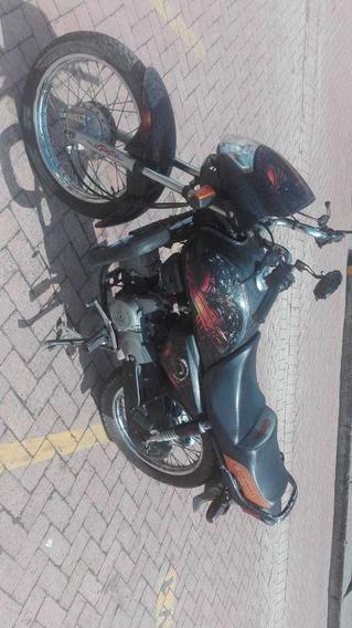 Honda Eco Deluxe Negra - Personalizada