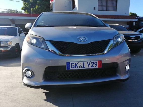 Toyota Sienna 2011 Sport
