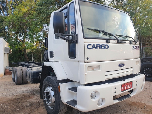 Imagem 1 de 4 de Ford Cargo 2428 Truck Chassi