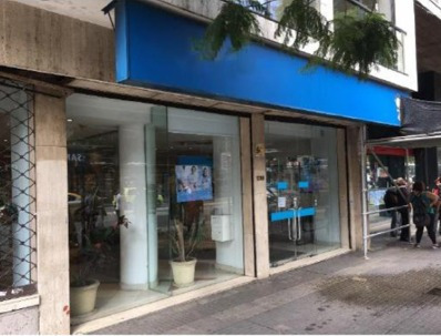 Local Comercial Sobre Importante Avenida En Montevideo