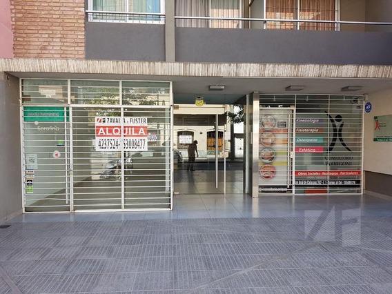 Vendo Local. Zona Tribunales. A 1/2 Cuadra De Av Duarte Quiros