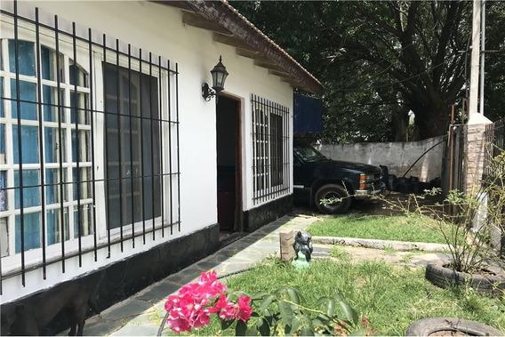 Casa En Venta 3 Ambientes Delcasse Ricardo Rojas