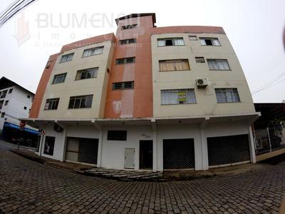 Apartamento Muito Bem Localizado, Próximo A Furb, Supermercados, Restaurantes Etc. - 0124