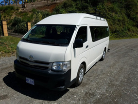Microbus Toyota Hiace Con Poco Uso