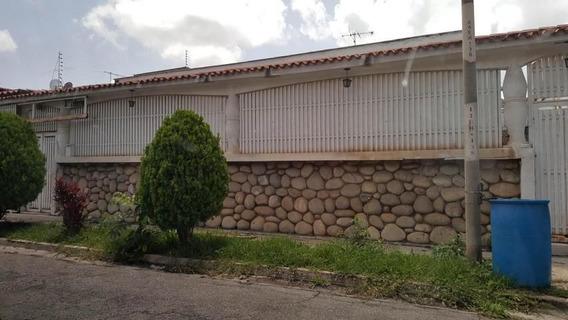 Casa En Venta Colinas De Vista Alegre Mls #21-6233