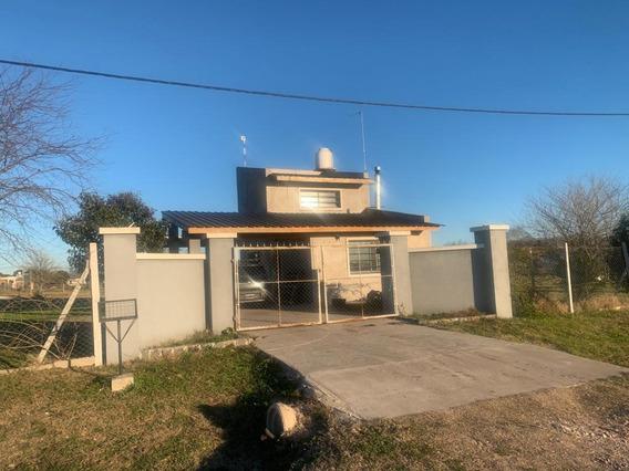 Venta Casa Con Piscina En Barrio Rincon De Irizar