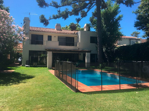 Casa Con Renta En Carrasco Ref. 5836