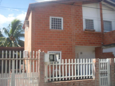 Casa En Venta. Cagua. Cod Flex 18-2972 Mg