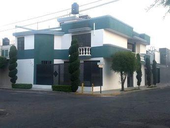 Vendo Casa En Valle De Los Girasoles, 5 Recamaras, Esquina