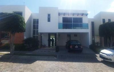 Se Renta Casa En Angelopolis Cluster 222