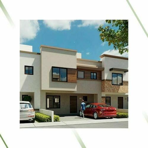 Imagen 1 de 7 de Casa Con Jardín