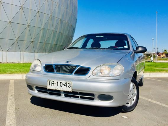 Daewoo Lanos S 2000 Plateado 210.000 Kms.
