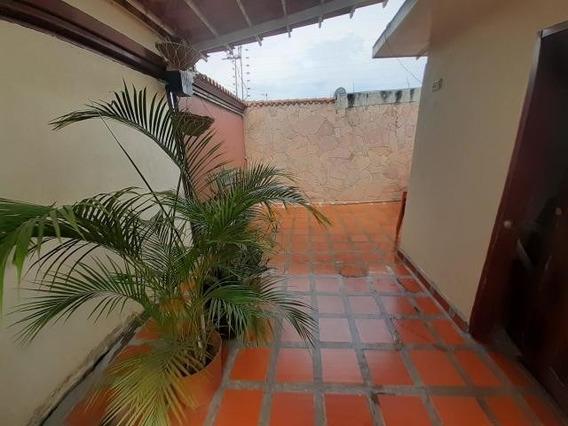 Casa En Venta En Patarata Barquisimeto Codigo Flex 20-17995