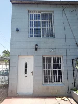 Alquiler - Excelente Duplex Amplio Con Patio Y Cochera -