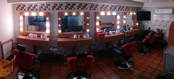 Se Traspasa Salon De Belleza - Negocio En Centro Comercial