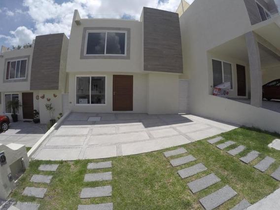 Casa En Renta En Zibata, El Marques, Rah-mx-20-2339