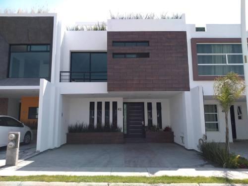 Casa Nueva En Venta En La Antigua Cementera, Recamara En Planta Baja