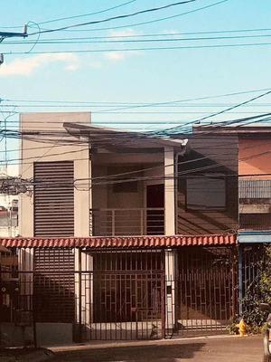 Casa Totalmente Amueblada, Tres Habitaciones Amplias!!