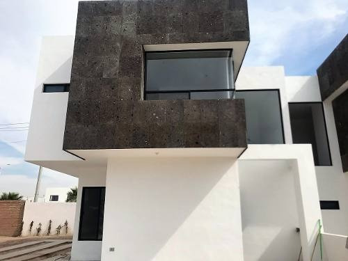 Casa En Venta Fraccionamiento En Villas De Las Palmas En Zona Viñedos En Torreon