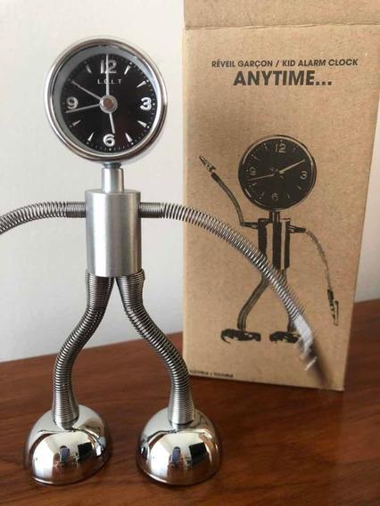 Reloj Con Alarma En Forma De Robot