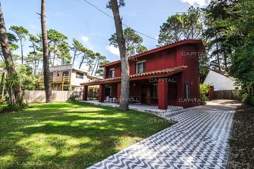 Casa En Venta En Barrio San Rafael +4 Dormitorios - Ref: 27761