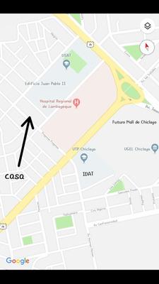 Casa De Dos Plantas Y 81 Metros Cuadrados En Zona Comercial