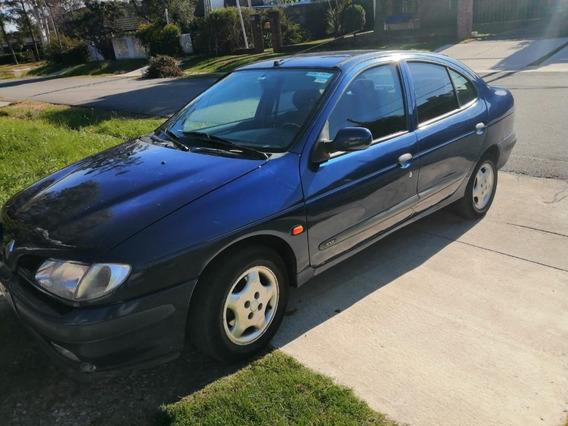 Renault Megan 2.0 Nafta - Full 1997