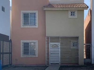 Casa En Venta En El Fraccionamiento Hacienda Del Nogal