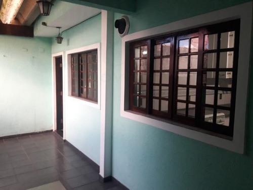 Casa Térrea Para Venda, 4 Dormitório(s), 240.0m² - 901