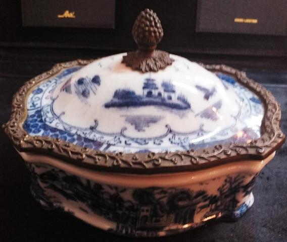 Caixa Em Porcelana Craquelada Francesa Azul E Branca
