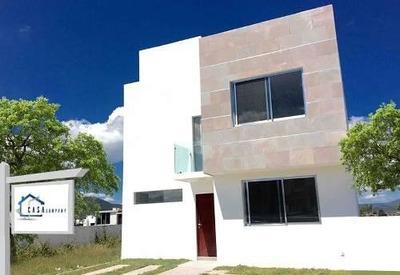 Hermosa Casa En Grand Juriquilla, 3 Niveles, 4ta Recámara En Planta Baja, Lujo!