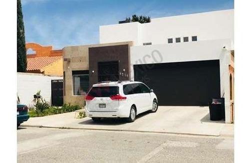 Casa A La Venta En Fraccionamiento Quintas Del Solar Zona Ejercito Nacional Y Francisco Villarreal