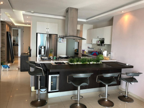 Venta De Apartamento En Icon Tower, Coco Del Mar 20-4728