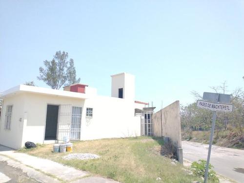 Imagen 1 de 11 de Casa Uso De Suelo En Venta Palma Real