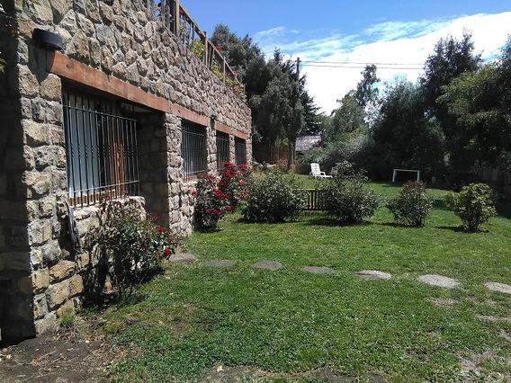 Casa Dos Ambientes Con Jardín, 12 Cuadras Del Centro