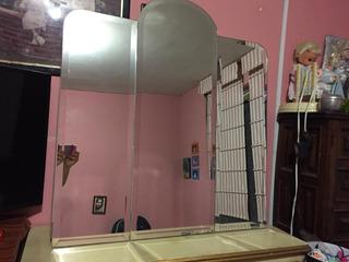 Mueble Con Entrepaños Espejo Biselado