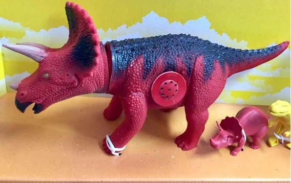 Dinossauro Triceratopo C/som - Adijomar Ref 840